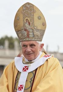 Pope Benedict XVI in St. Peter's Square, Rome, 2010/ image: Kancelaria Prezydenta RP/wiki