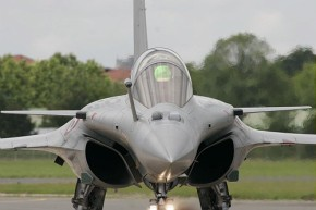 Rafale_B_at_Paris_Air_Show_2007