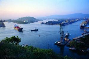 Vizag Port/file photo: wiki