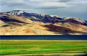 Karakoram-West Tibetan Plateau alpine steppe near Ladakh, India (image: wiki)